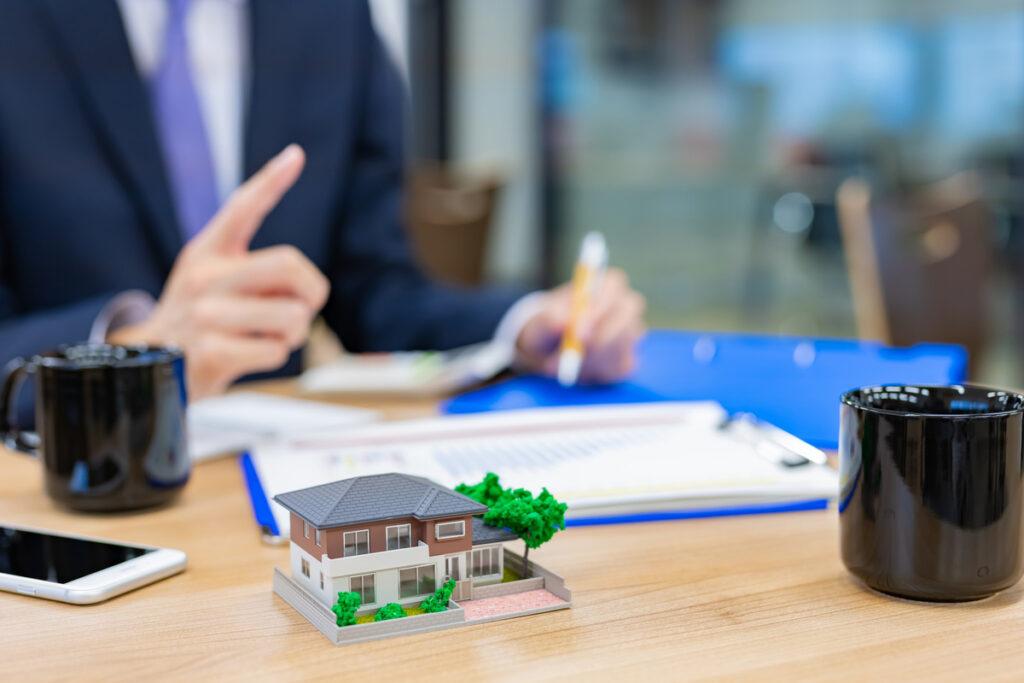 宅建免許とは?不動産開業の流れや宅建免許が不要のケースを解説